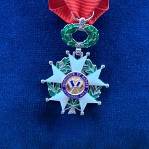 Legion D'Honneur UK donates to SSAFA